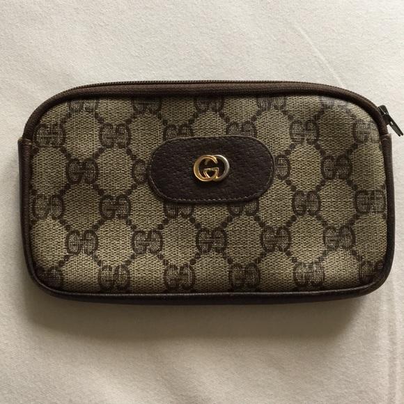3002ec622 Gucci Handbags - Vintage 1990's Gucci wallet / make-up bag